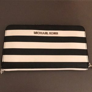 Black and white MK Wallet